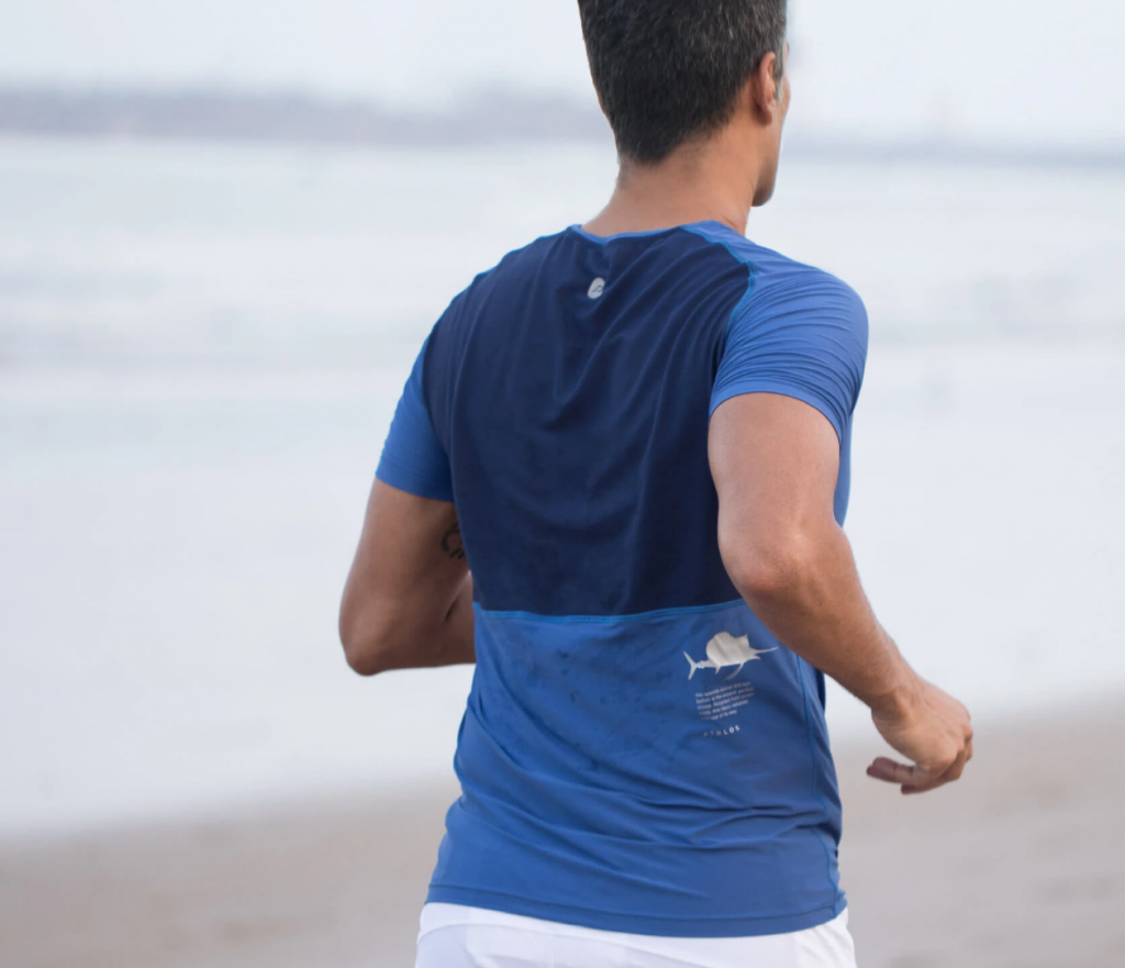athlos zero neck t shirt is stretchable and comfortable for workouts