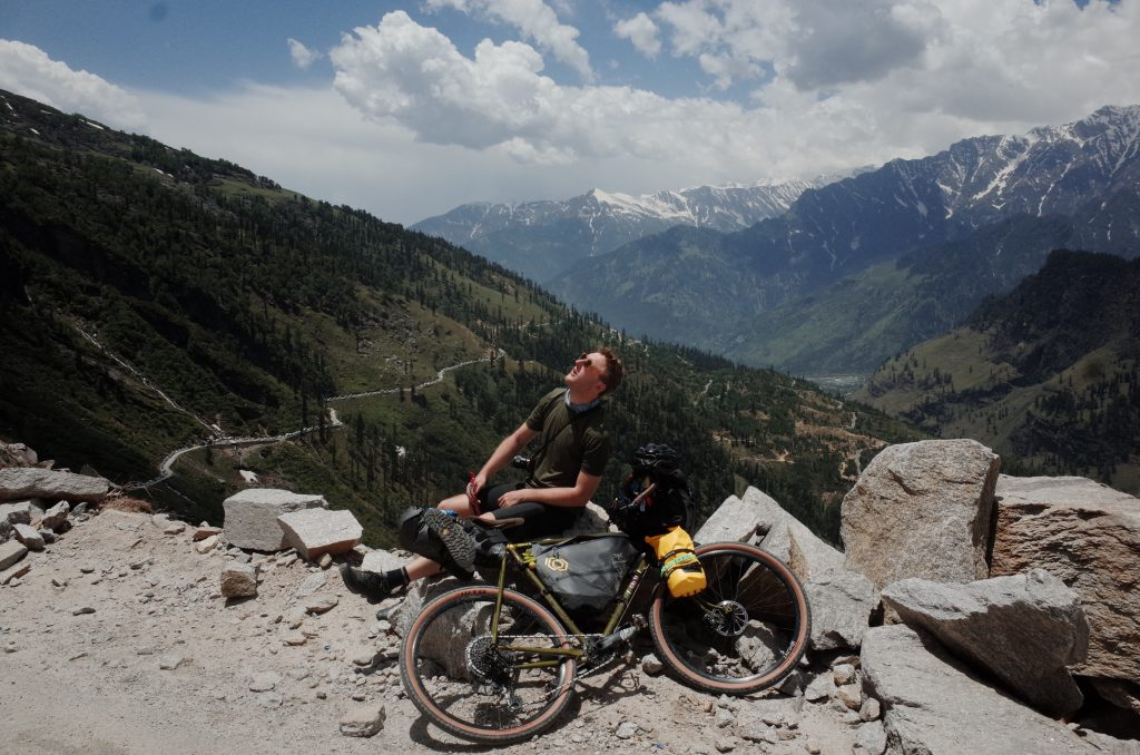 Escaping the tourists and traffic in Manali, cycling to Rohtang.