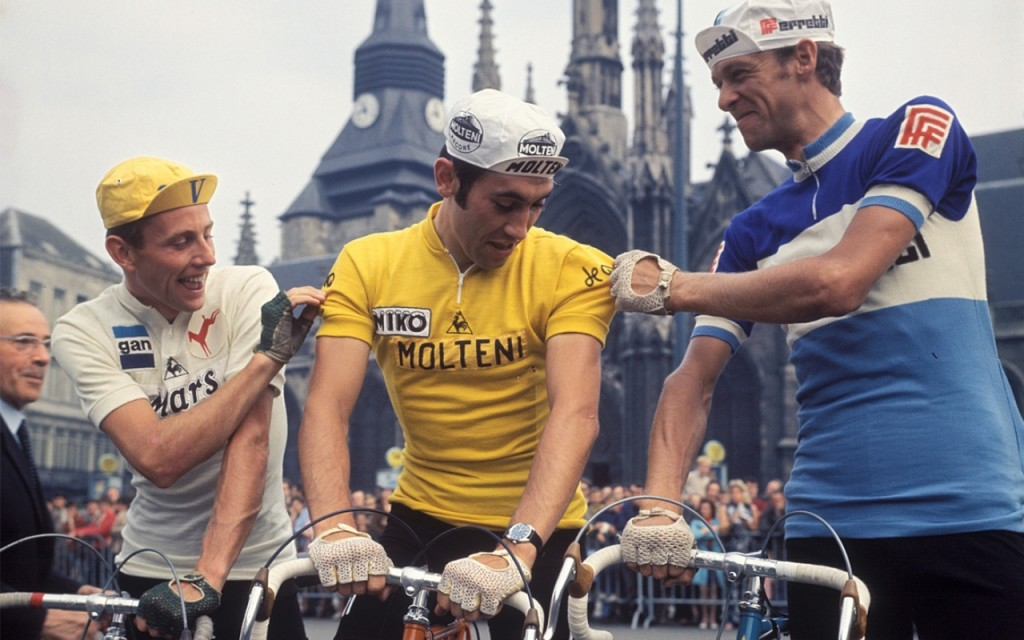 Roger De Vlaeminck, with his fellow cyclists wearing cycling cap